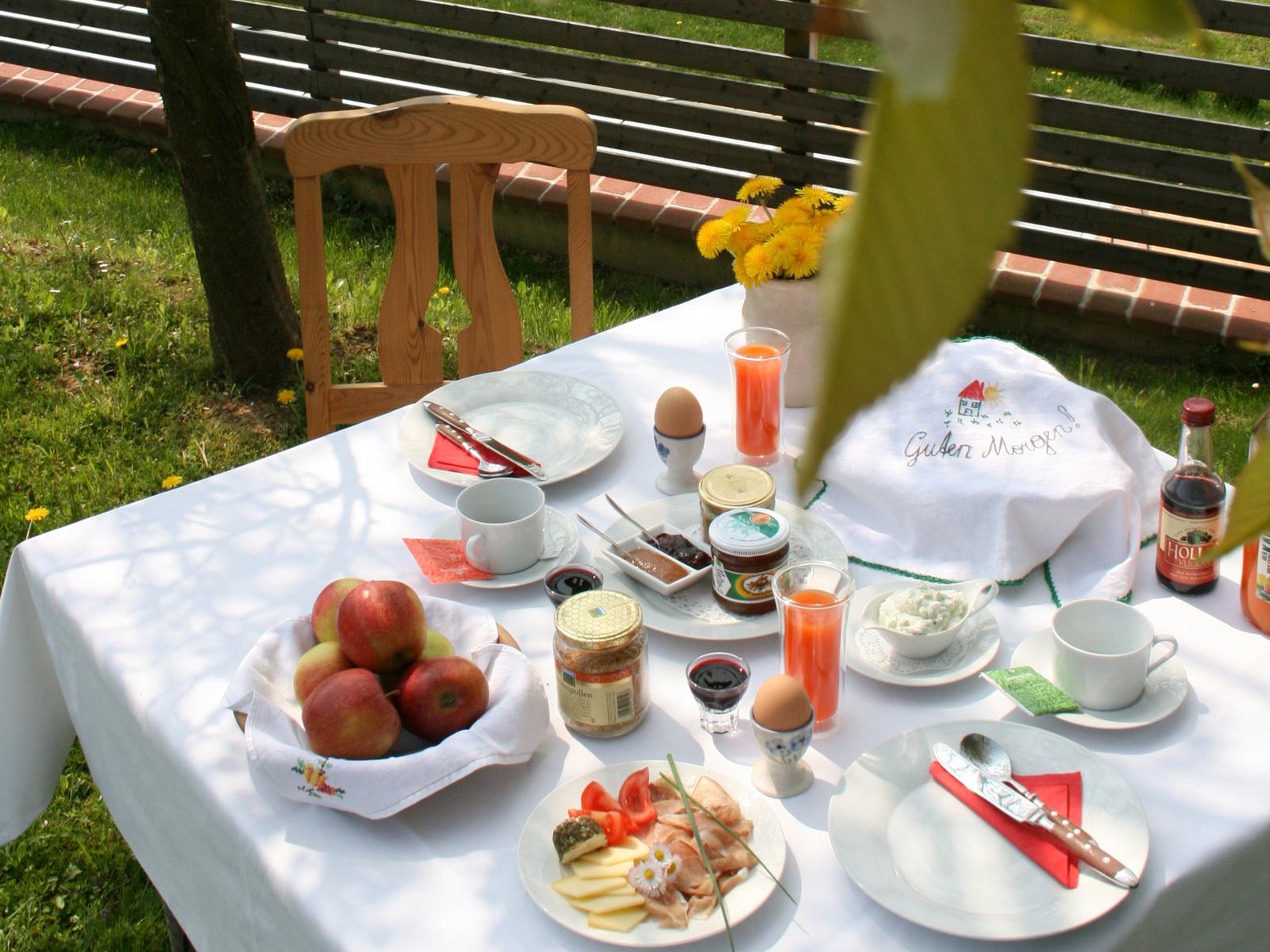 Urlaub im Ferienhaus mit Vulkanland-Frühstück